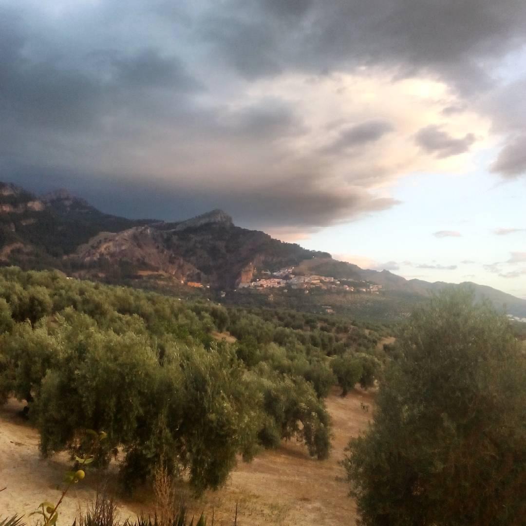 La Iruela entre nubes y claros jaen andalucia sierradecazorla
